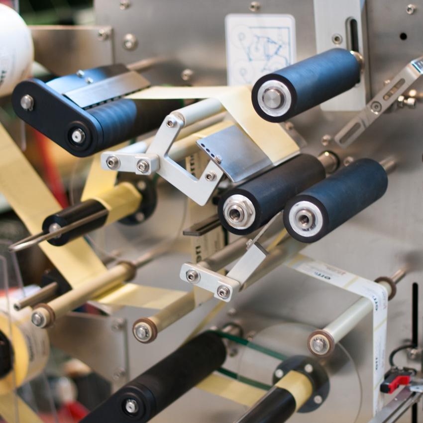 labelmachine, etiketteermachine, labeler, etiketteren, etiketteersysteem, etiketteer, twee etiketten, etiketteerkop